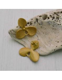 1 paio Orecchini a Perni ZAMA 18 MM forma fiore
