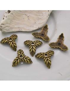 Copri perla con forma 3 Fogli a coppette 14 mm colore bronzo 6 pz per gioielli