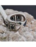 Anello incastonato con Spinello e Marcassite in argento 925%o Sterling Silver Anello thailandese