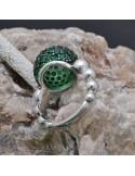 Anello sfera con zirconi verdi in argento 925%
