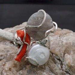 Anello incastonato con Corallo e Agata e Madreperla in argento 925%Regolabile