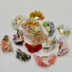 2 pz nappe ciondoli a fiore sfumato stoffa Nappina 25 x 40 mm con ganci Oro per fai da te
