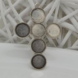 BASE CIONDOLI Cabochon interno 20 mm forma croce 70 x 95 mm colore argento in metallo 1pz