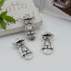 Ciondoli Charms pendente a forma di gufetto portafortuna 21 x 10 mm 4pz per le tue creazioni!!!