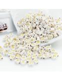 Perline lettere di plastica forma cuore bianco scritta oro 4 x 7 mm 400 pz PER BIGIOTTERIA per le tue creazioni!!!