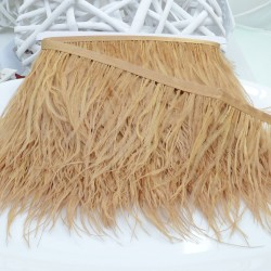 nappe piuma di struzzo Fringe piuma di struzzo altezza 16cm col beige scuro prezzo di confezione 20cm