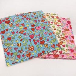 Bandana Vintage con disegni a cuori 48 x 48 cm 1 pz 100% cotone per le tue creazioni alla moda!!!