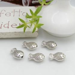 Distanziatori Perline piatto colore argento 10 x 7 mm 12 pz a forma di pesce in metallo per bigiotteria per le tue creazioni!