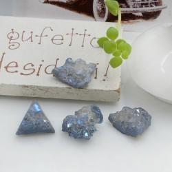 Quarzo cristallo rodiato irregolare colore grigio con foro passante circa 10-17 mm 1 pz per le tue creazioni!!