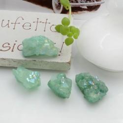 Quarzo cristallo rodiato irregolare colore verde chiaro con foro passante circa 10-17 mm 1 pz per le tue creazioni!!