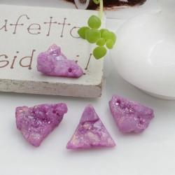 Quarzo cristallo rodiato irregolare colore fucsia con foro passante circa 10-17 mm 1 pz per le tue creazioni!!