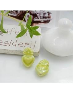 Perla a forma di cuore sacro in ceramica luminosa e smaltata colore verde mela due misure 2 pz per le tue creazioni alla moda!!