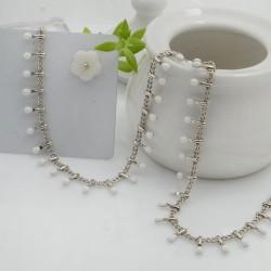 Catena in acciaio groumetta argento piatta forma gocce smaltate bianco altezza 0.6 mm confezione 50 cm
