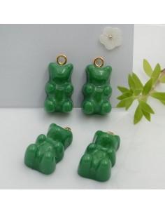 Ciondolo Orsetto in resina colore verde 22 x 12 mm con gancio in ottone per le tue creazioni!!