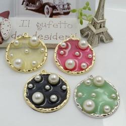 Ciondolo tondo in resina con perle bordo in ottone 36 x 33 mm 1 pz per le tue creazioni!!!