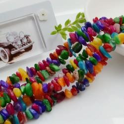 Perline in pietra chips 5 x 9 mm Madreperla colorata Sassolini per bigiotteria circa 200pz filo 90cm