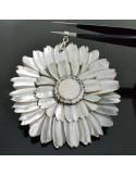 ciondolo pendente madreperla forma di fiore 65mm colore naturale grigio chiaro